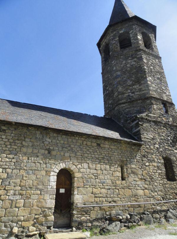 Iglesia románica de Vilac. Valle de Arán. Foto R.Puig