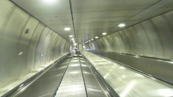 Por las profundidades de la metropolitana de Roma. Foto R.Puig
