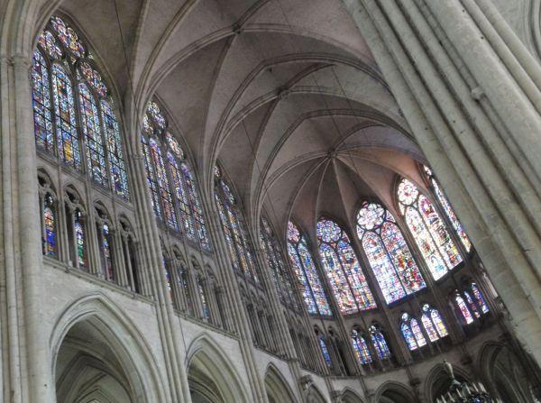 Catedral de Troyes. Vitrales del coro. s.XIII. Foto R.Puig