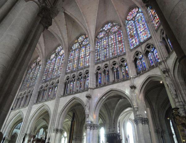 Catedral de Troyes. Vitrales del lado norte del coro. s.XIII. Foto R.Puig