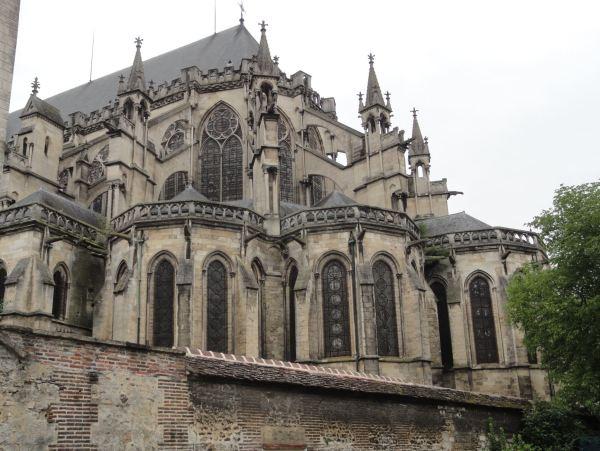Troyes. Ábside de la catedral desde el square des Trois Godets.Foto R.Puig