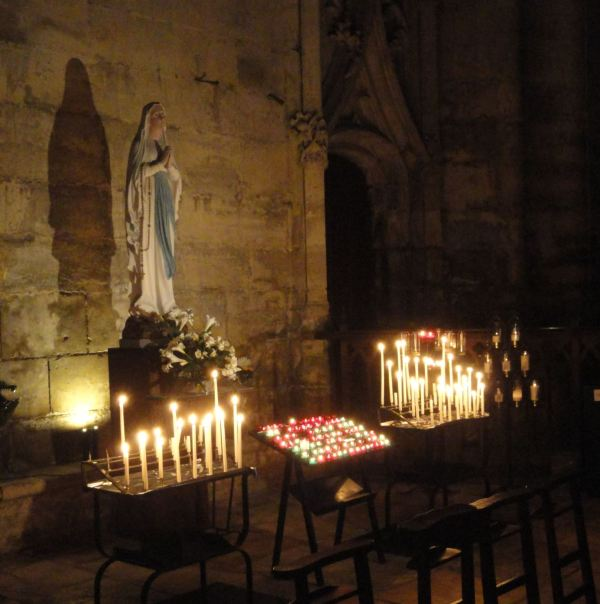 Troyes. El lugar de los ruegos. Catedral. Foto R.Puig