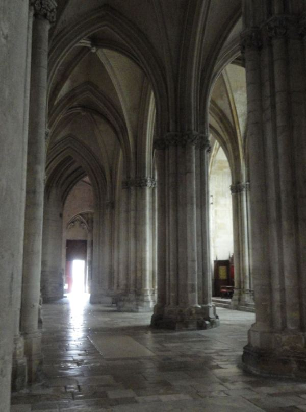 Troyes. Se hace tarde en la catedral. Foto R.Puig