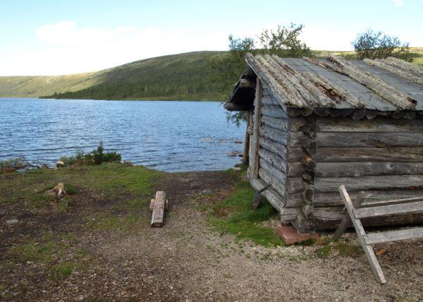 A la orilla del Grövelsjön. Foto R.Puig