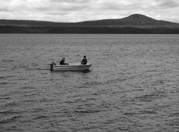 De pesca en el lago Femunden. Foto R.Puig