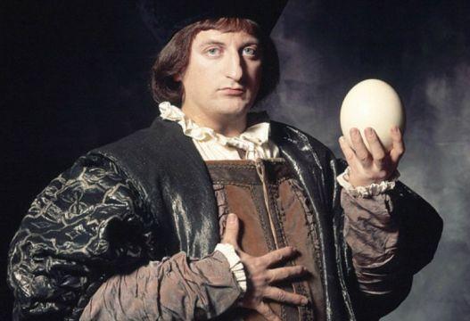 Colón y el huevo. Orquesta Mondragón