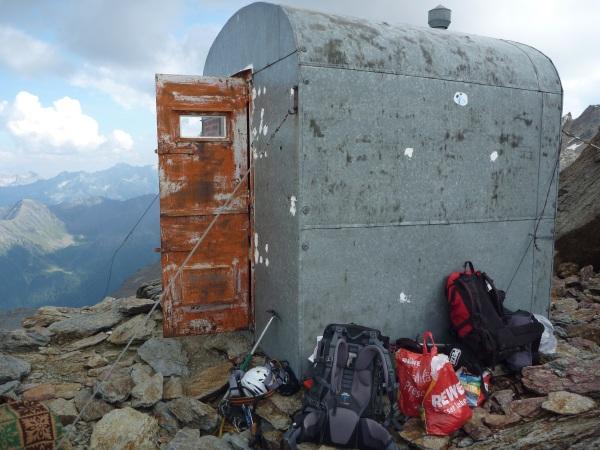 Bivacco Meneghello. Foto: summitpost.org