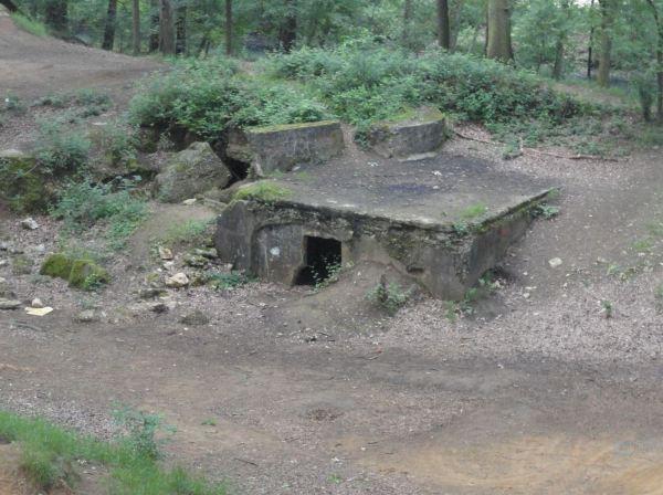 Bunker de defensa de la provincia de Amberes. Foto R.Puig.JPG