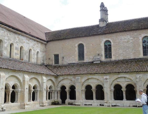 Claustro de Fontenay. Foto R.Puig