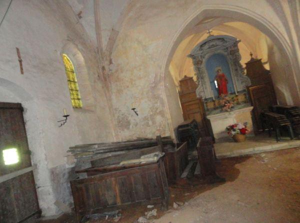 Interior devastado de Santa Gertrudis. Selongey. Foto R.Puig