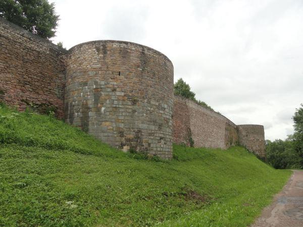 Murallas de Semur-en-Auxois. Foto R.Puig
