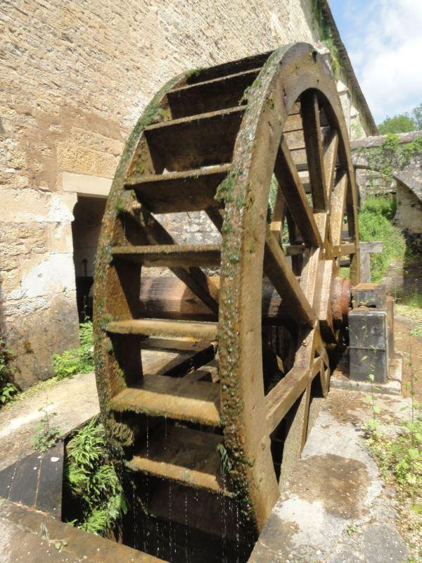Noria para mover los martillos y fuelles. Foto R.Puig