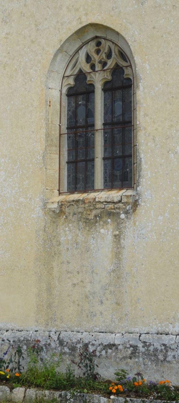 Ventanal gótico de Santa Gertrudis. s. XVI. Selongey. Foto R.Puig