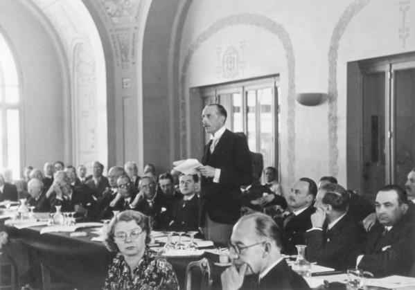 Lord Winterton en la Conferencia de Evian.  Foto de Heinrich Hoffmann/Ullstein/ Getty Images.