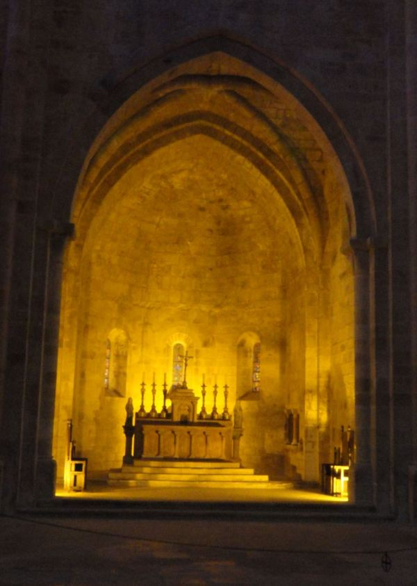 Interior de la iglesia abacial. Fontefroide. Foto R.Puig