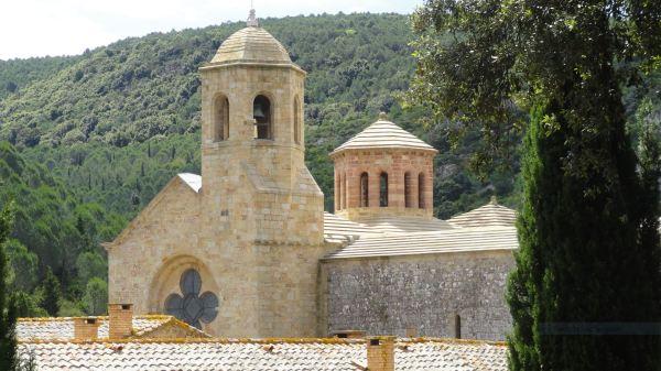 La iglesia abacial desde los jardines. Fontefroide. Foto R.Puig