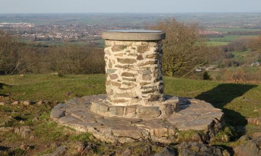 El toposcopio de Beacon Hill y vista de Loughborough. Foto Wikimedia