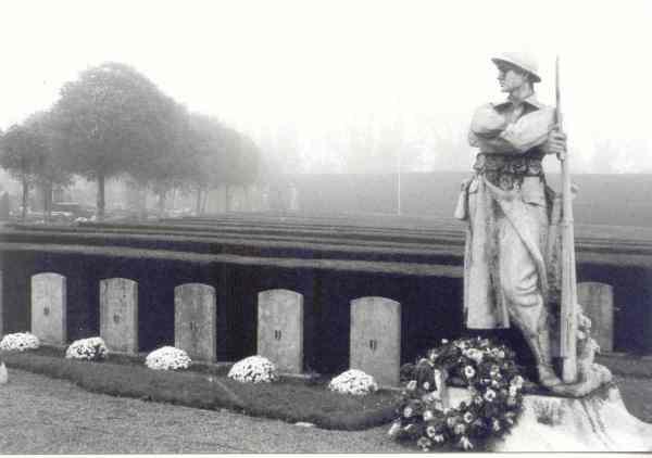 Lo que dejan las guerras. Cementerio de Ixelles. Bruselas. Foto R.Puig