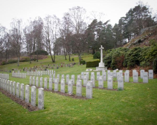 Tumbas de soldados británicos. Cementerio de Kvibergs. Gotemburgo. Foto vastarvsbloggen.se