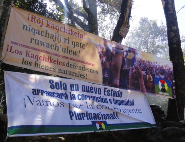 Lemas de la movilización ed los Kaqchikeles en Iximché. Guatemala. Foto R.Puig