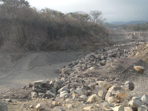 Tras la erupción del Volcán del Fuego. Aquí fluía un rio. Guatemala. Foto R.Puig