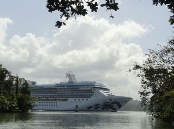 En el canal de Panamá. Foto R.Puig