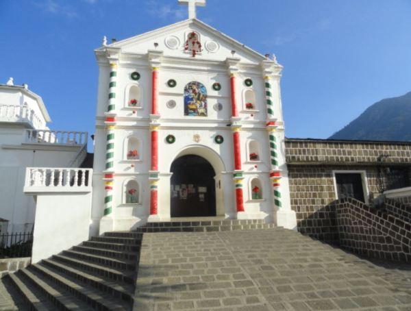 Iglesia de San Pedro La Laguna. Foto R.Puig