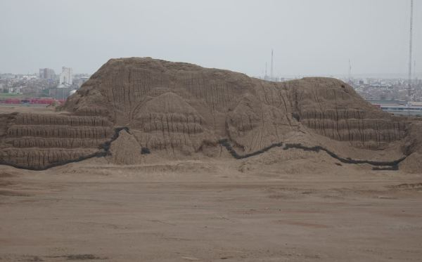 Huaca del sol. Trujillo. Foto R.Puig