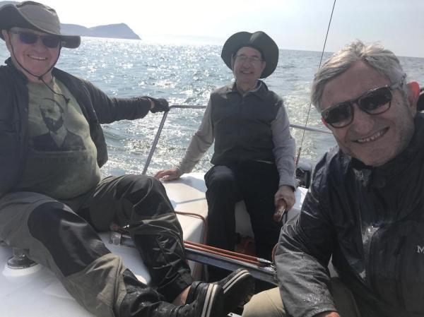 Dos lobos de mar y un polizón. Foto Marie Puig