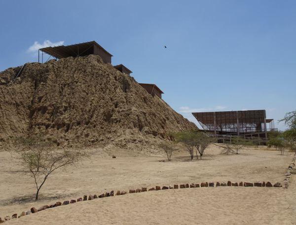 Pirámide en proceso de excavación en Túcume.13 febrero 2019. Foto R.Puig