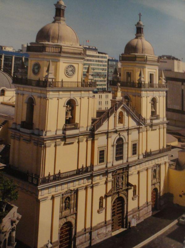 San Pedro de Lima. Iglesia del antiguo Colegio Máximo de San Pablo.