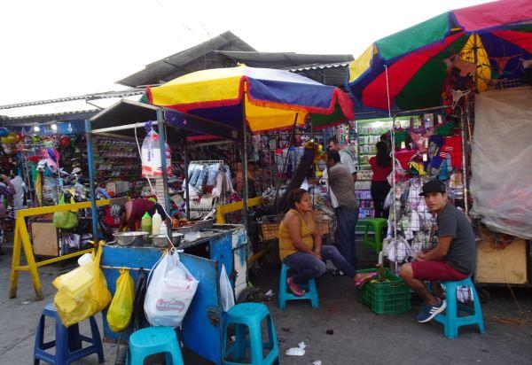 Regresando a Chiclayo 13.02.2019. Puestos del mercado. Foto R.Puig