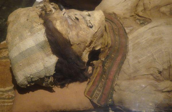 Personaje de Collud. Museo Brüning. Lambayeque. Foto R.Puig
