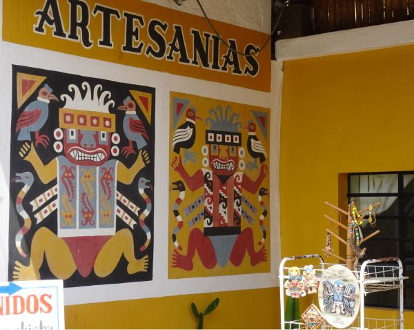 Tienda de artesanía Caup Alaec. Detalle. Magdalena de Cao. Foto R.Puig
