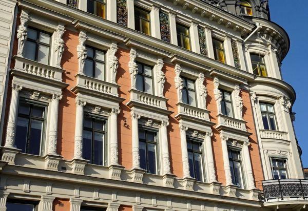 Columnas y cariátides de Strandvägen. Foto R.Puig