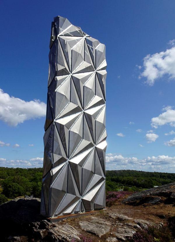 Conrad Shawcross UK,monolíto óptico, 2016. Foto R.Puig