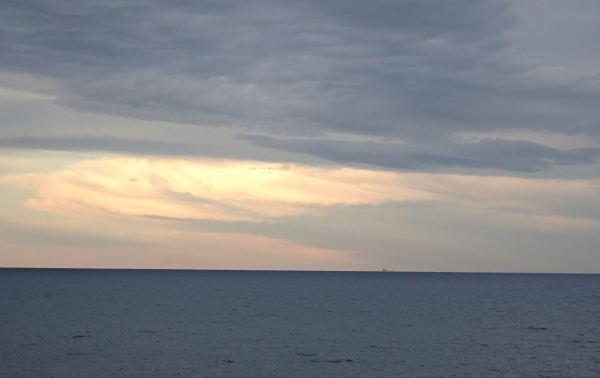 Cuando el cielo tiende su manto... Foto R.Puig