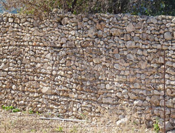 Antiguo muro. Els Poblets. Foto R.Puig