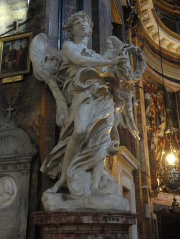 Bernini, ángel con los instrumentos de la pasiòn. Sant Andrea delle Fratre. Roma. Foto R.Puig
