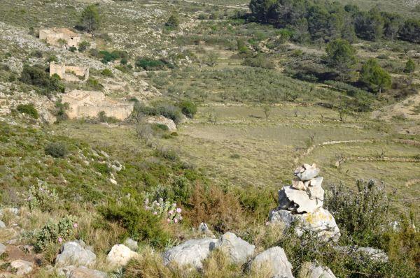 Camino de vuelta y las tres alquerías de partida. Foto R.Puig