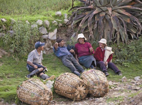 Campesinos de Tarma, JUnín, Perú. Fuente op. cit.pag.
