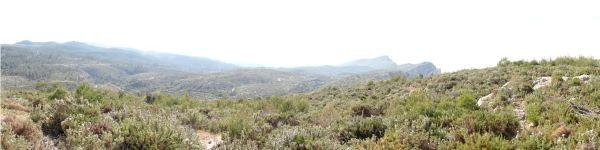 Panorama desde la Sierra de la Carrasca hasta el Penyol Gros y la Foradada. Foto R,Puig